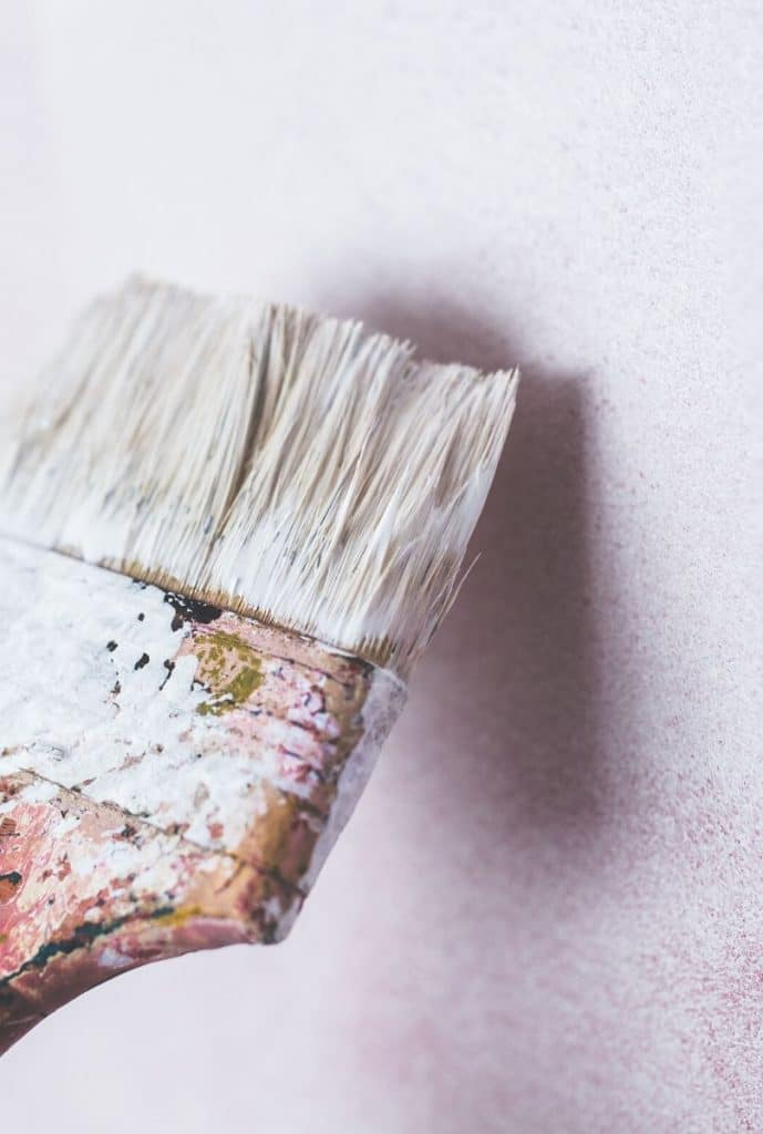 Malowanie ściany na biało KNOxOUT