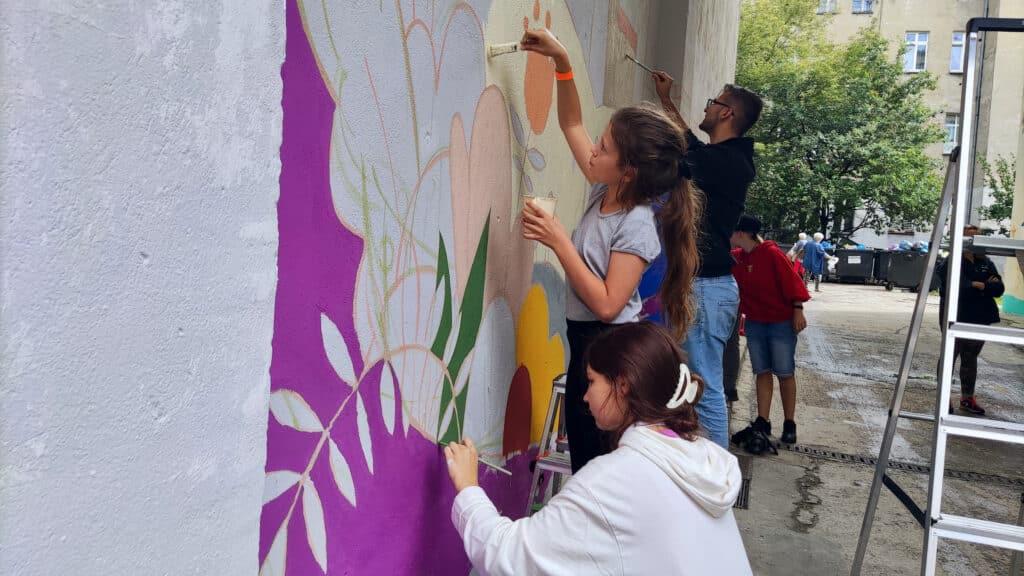 Brave Kids 2021 tak powstaje eko mural malowany farbami antysmogowymi KNOxOUT